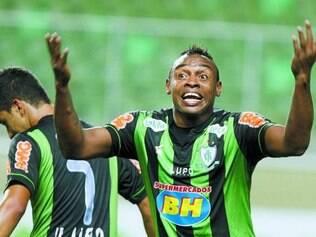 Atacante Obina é uma das esperanças de gols do Coelho hoje