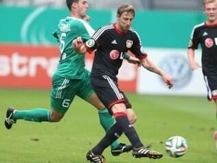 Jogo serviu de treino para o Leverkusen e ajudou Kiessling a disparar na liderança