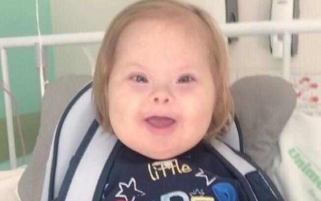 Menino de 3 anos com síndrome de Down ficou internado por 13 dias
