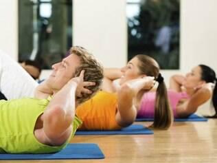 Abdominais ajudam a manter a forma, mas não reduzem a gordura da barriga