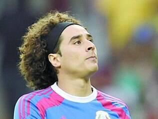 Ochoa foi o grande nome do México no empate contra o Brasil