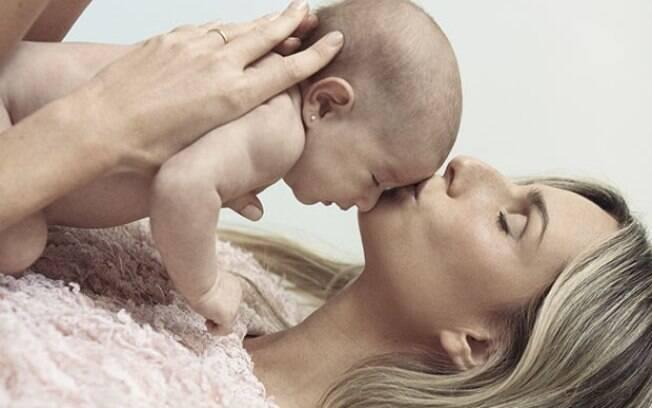 Mariana Weickert e sua filha Theresa