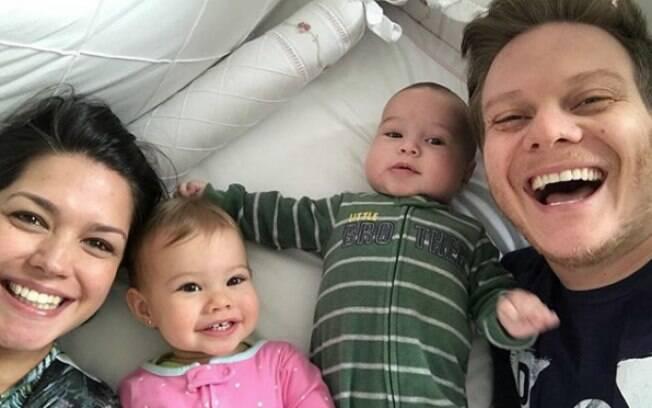 Melinda e Theodoro foram os nomes de bebê escolhidos pela atriz Thais Fersoza e o cantor Michel Teló para os filhos