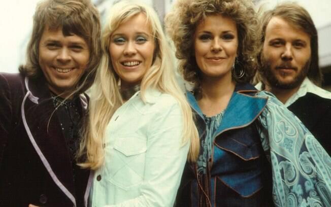 O ABBA foi um grupo de música sueco que fez muito sucesso entre a década de 70 e 80