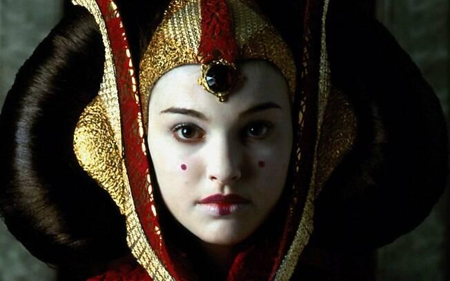 Nada de Kim Kardashian, se a maquiadora Daisy se inspirou em alguém para o traço, foi em uma personagem de Star Wars