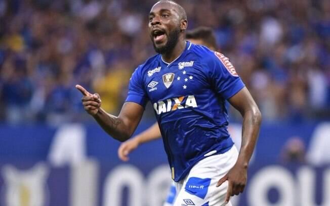 Manoel chega ao Corinthians emprestado pelo Cruzeiro