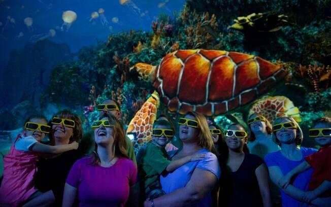 Filme TurtleTrek é exibido em telas 360º de altíssima resolução, fazendo com que o visitante se sinta dentro do mar