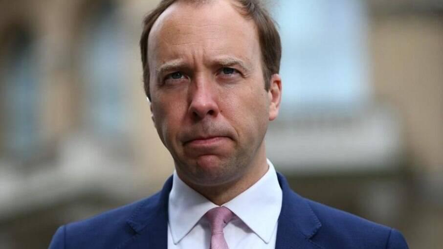 Ministro da saúde britânico, Matt Hancock, renunciou ao cargo