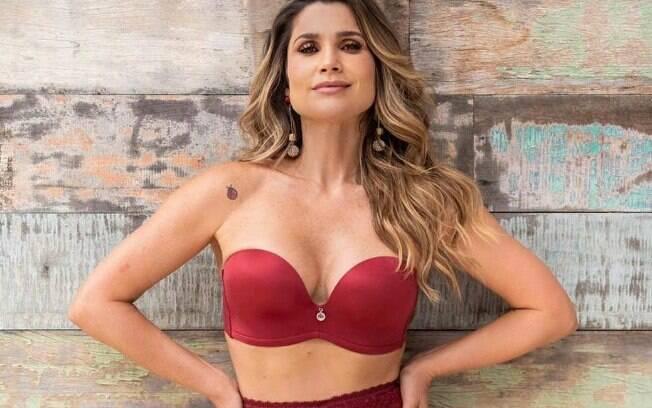 Flávia Alessandra surge sensual em foto de lingerie postada em seu Instagram