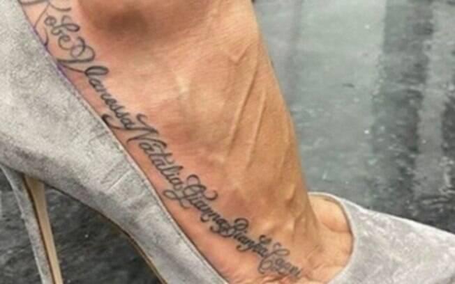Vanessa Bryant fez homenagem à família com tatuagem