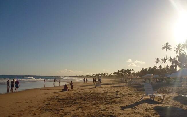 Ponto de encontro de surfistas, Cupe também tem suas piscinas naturais
