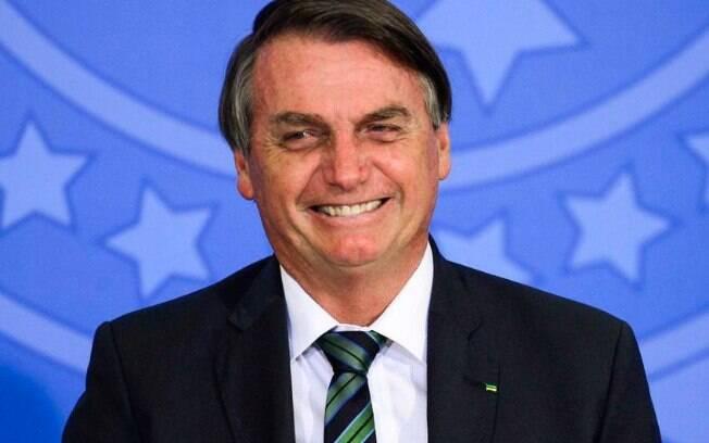 Reprovação ao governo Bolsonaro cai cinco pontos percentuais, segundo pesquisa