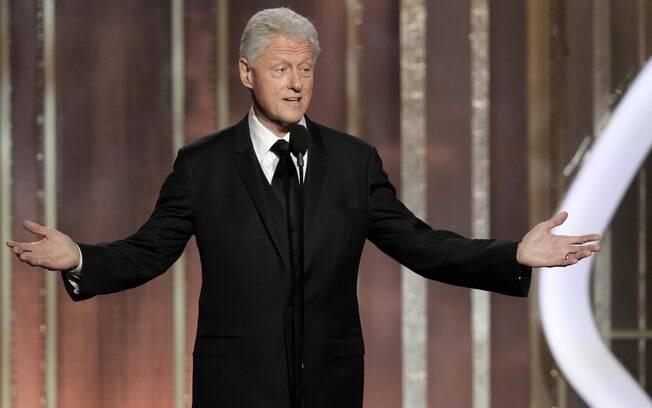 Bill Clinton consegiu se salvar do impeachment na Câmara