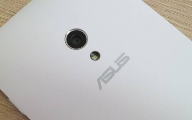 Zenfone 5 tem câmera de 8 megapixels