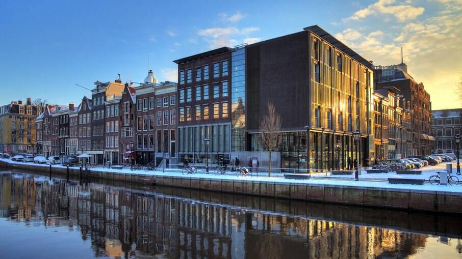 Uma boa ideia para conhecer Amsterdam é por meio de um cruzeiro luxuoso