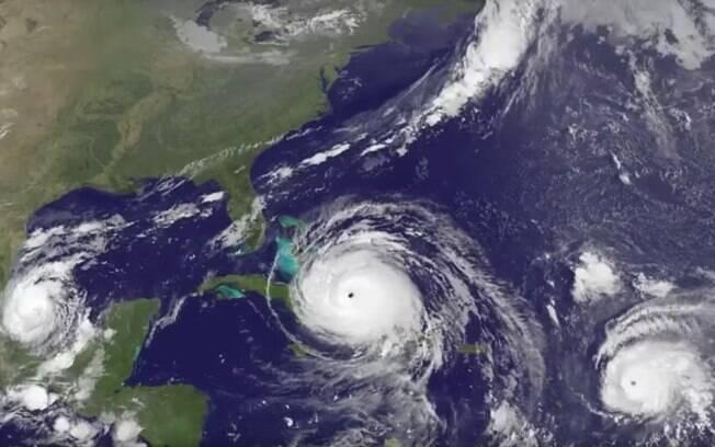 Furacão Irma chegando às Bahamas, ao lado do furacão Jose, nas Ilhas Leeward. E o Katia, no Golfo do México