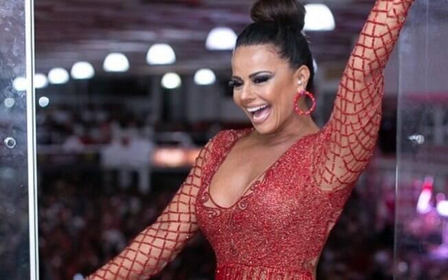 Viviane Araújo concilia gravações da novela com ensaios para o carnaval. Ela será Rainha de Bateria do Salgueiro mais uma vez