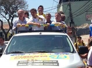Aécio Neves fez carreata ao lado de Pimenta da Veiga