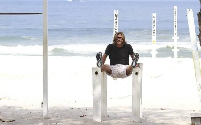 Cláudio Heinrich na praia da Barra da Tijuca