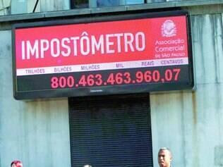 Impostômetro. Até o último dia 30 de junho, brasileiros já pagaram mais de R$ 800 bilhões em tributos a todas as esferas de governo