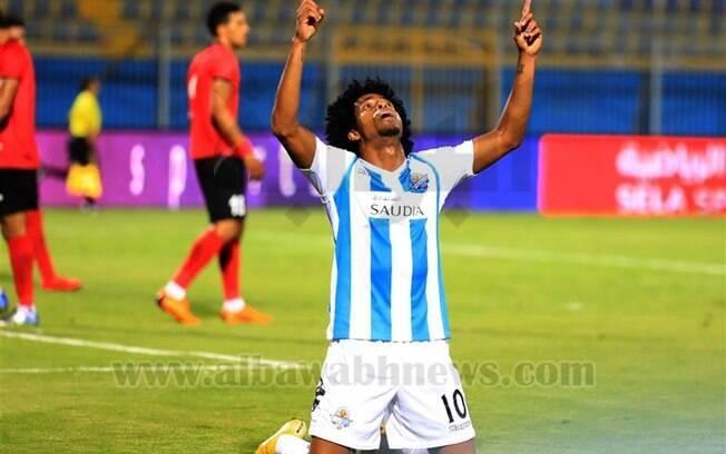 Keno comemora outro gol pelo Pyramids, que abriu caminho para mais uma vitória da equipe no Egito