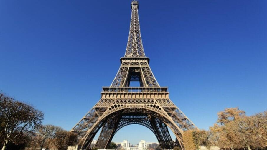 A Torre Eiffel é o ponto mais visitado em Paris