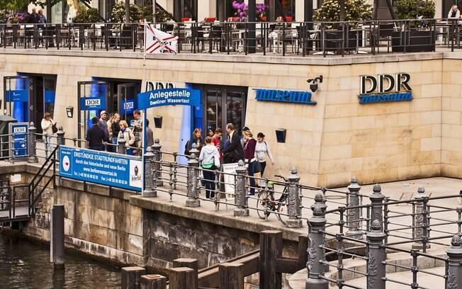 No DDR Museum, o turista pode voltar no passado de Berlim e ter uma noção de como era o dia a dia antigamente