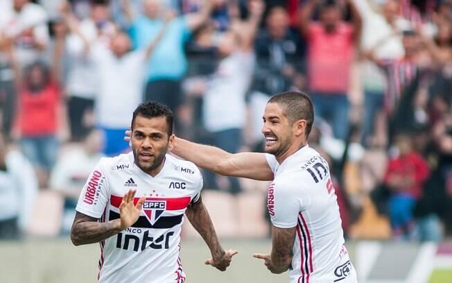 Daniel Alves e Pato