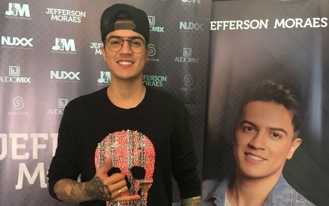No VillaMix Festival, Jefferson Moraes revela que tem como ídolos os cantores Zezé Di Camargo e Luciano