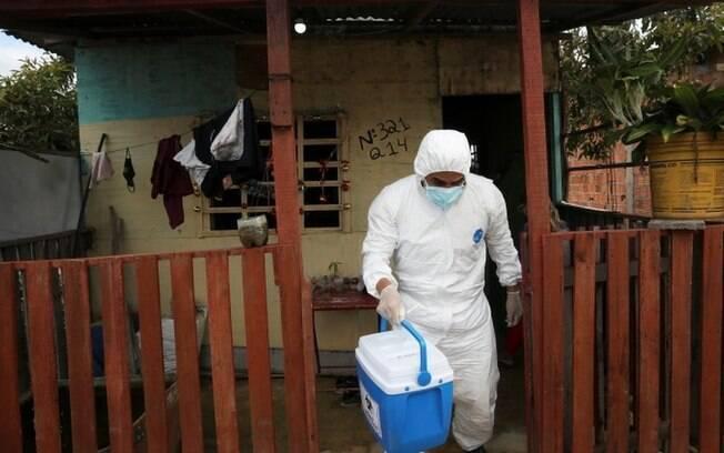 'Se minha mãe pegar covid-19, não sei se terei leito para interná-la', diz médico sobre caos na saúde em Manaus