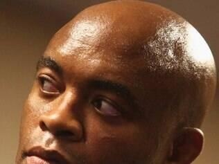 Flagrado no exame antidoping, Anderson Silva tem se mantido recluso