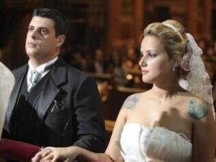 Juliana usou um anel que era da bisavó no dia do casamento...