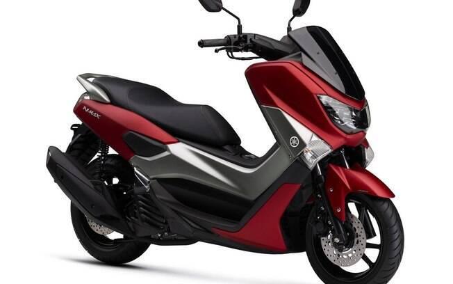 Yamaha NMAX 160 ganhou mudanças no visual recentemente e fecha a lista dos 5 cubs e scooteres mais vendidos