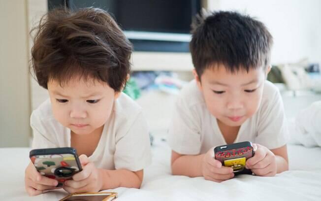 De acordo com internautas, o truque deixou o celular menos atraente para crianças e também para adultos