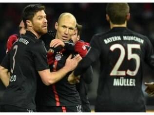 Aos 27 minutos, o holandês Arjen Robben marca o único gol da partida