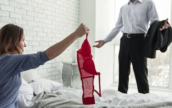 Segundo o levantamento, pessoas que traem costumam ser pegas após o terceiro caso extraconjugal