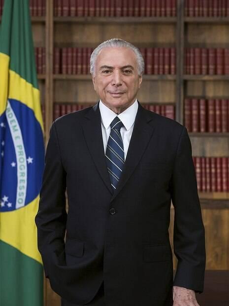 Retrato tirado por Beto Barata do ex-presidente Michel Temer acabou sendo escolhido como oficial depois que primeiro foi muito criticado