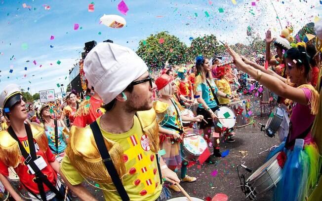 O carnaval é comemorado em várias partes do mundo de mareira diferente