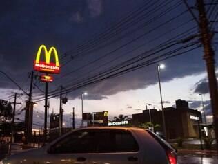 Portal - Belo Horizonte, Mg. Chove em Contagem no final da tarde desta quarta-feira (8). Fotos: Leo Fontes / O Tempo - 8.5.14