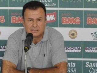 Flávio Lopes diz que diretoria americana não aceitará indisciplina e erros de arbitragem