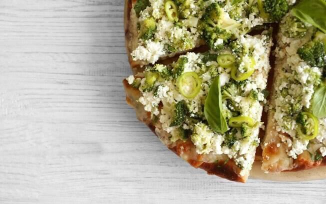 Pizza de vegetais e queijo magro pode fazer parte da dieta