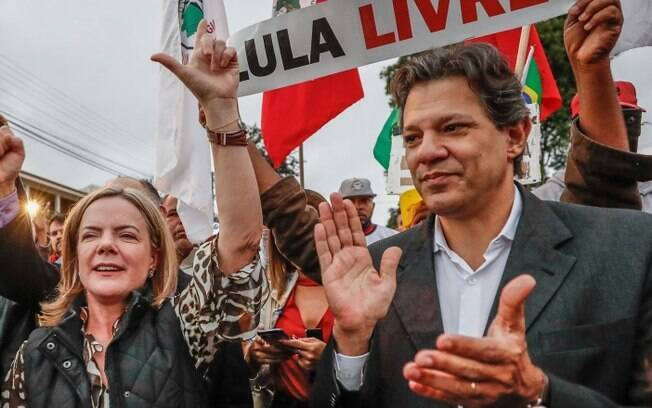 Gleisi Hoffmann e Fernando Haddad usaram o twitter para criticarem o decreto de Jair Bolsonaro fixando o salário mínimo em R$ 998,00