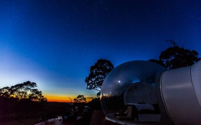 As tendas permitem que você durma enquanto olha as estrelas