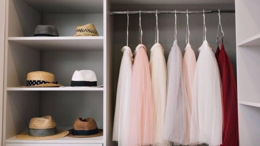 Saiba como otimizar espaço para as roupas