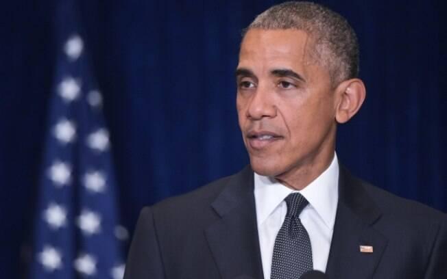 Barack Obama discursou na Convenção Democratas e foi recebido aos gritos de