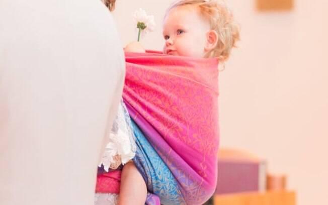O uso de sling proporciona uma série de benefícios não apenas para o bebê, mas também para a mãe