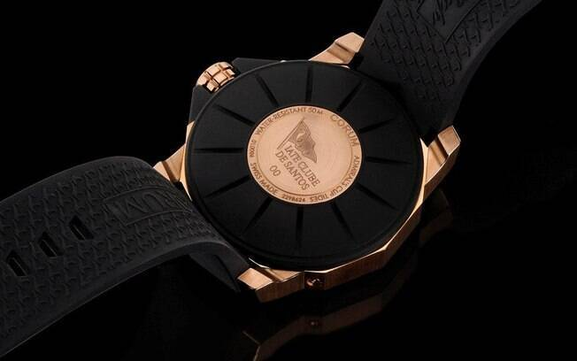 94bc6237f29 Iate Clube de Santos ganha relógio Corum em sua homenagem - Objetos ...