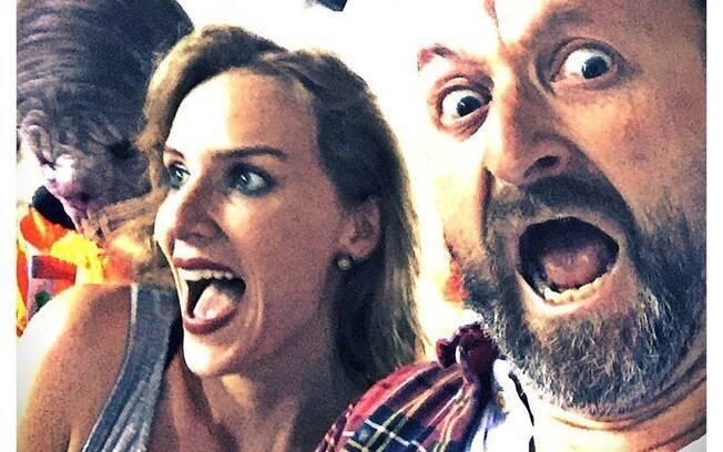 Charlotte Kirk e Neil Marshall em imagem postada no Instagram de Kirk