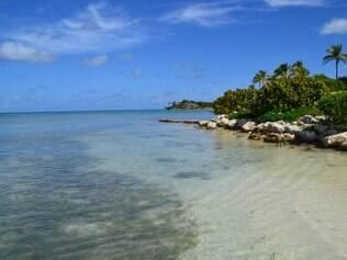 O mar cristalino é marca registrada de Antigua, ilha com uma praia para cada dia do ano