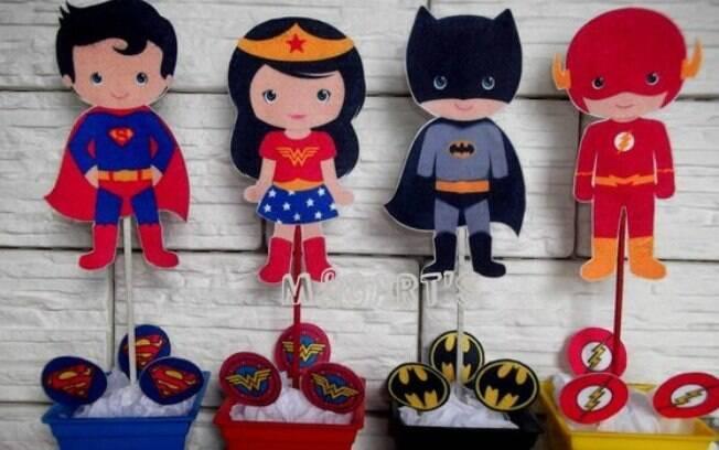 Objetos com os heróis podem ser usados como centro de mesa na festa de aniversário de seu filho